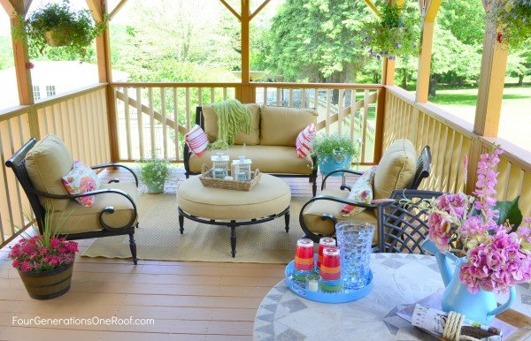 Deck Makeover: Stained deck with a pink and orange decor