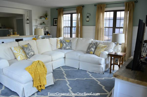 coastal cottage family room