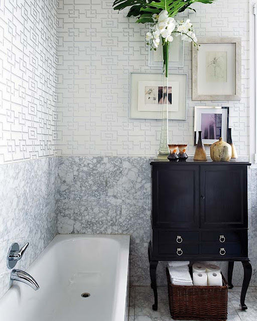 Decor pad bathroom marble slab and fretwork wallpaper