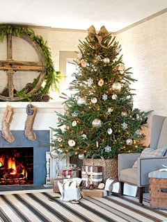casual cottage christmas tree