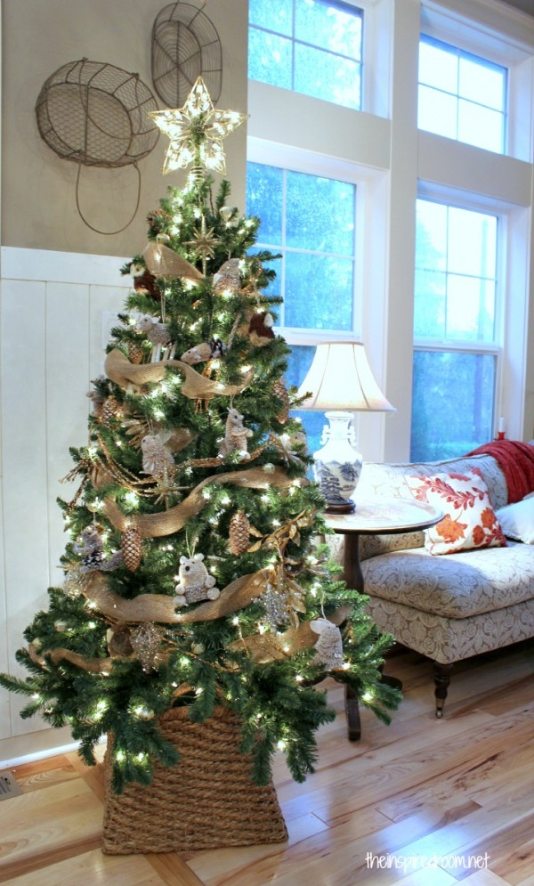 Gold pinecones rustic themed christmas tree