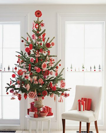 small gorgeous red and white christmas tree