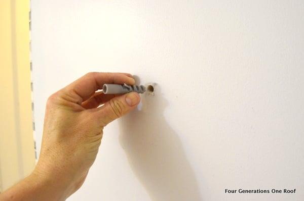 How to hang glass shelves