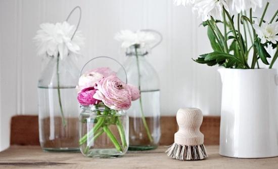 mason jar with pink flowers