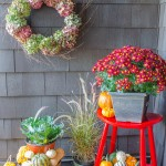 Fall_Decorating_back_door-3