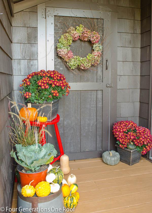 Fall_Decorating_back_door-4