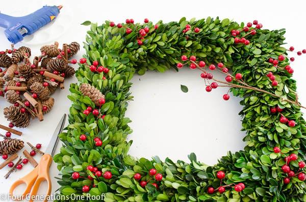how to make a wreath using boxwood christmas wreath-2