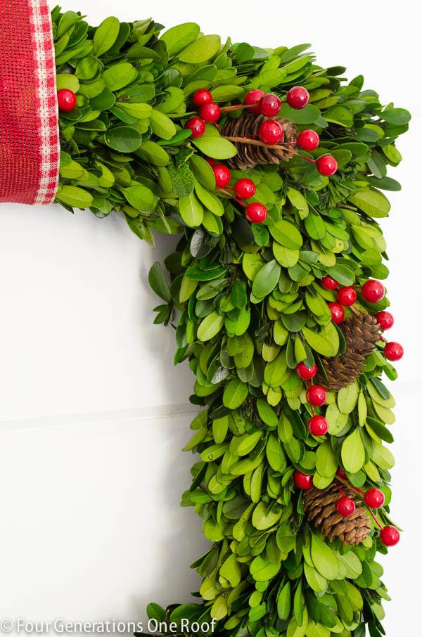 how to make a wreath using boxwood christmas wreath-3
