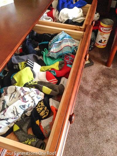organization dresser drawer www.fourgenerationsoneroof.com