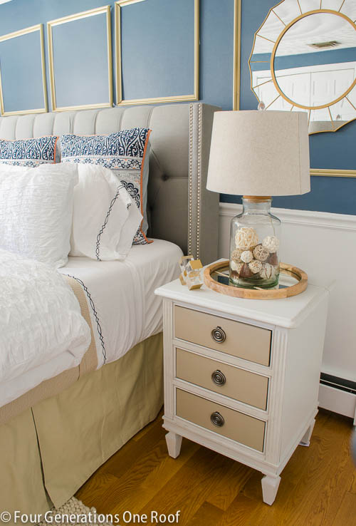 Decorating with a Glass Jar Lamp / Navy + Gold bedroom makeover