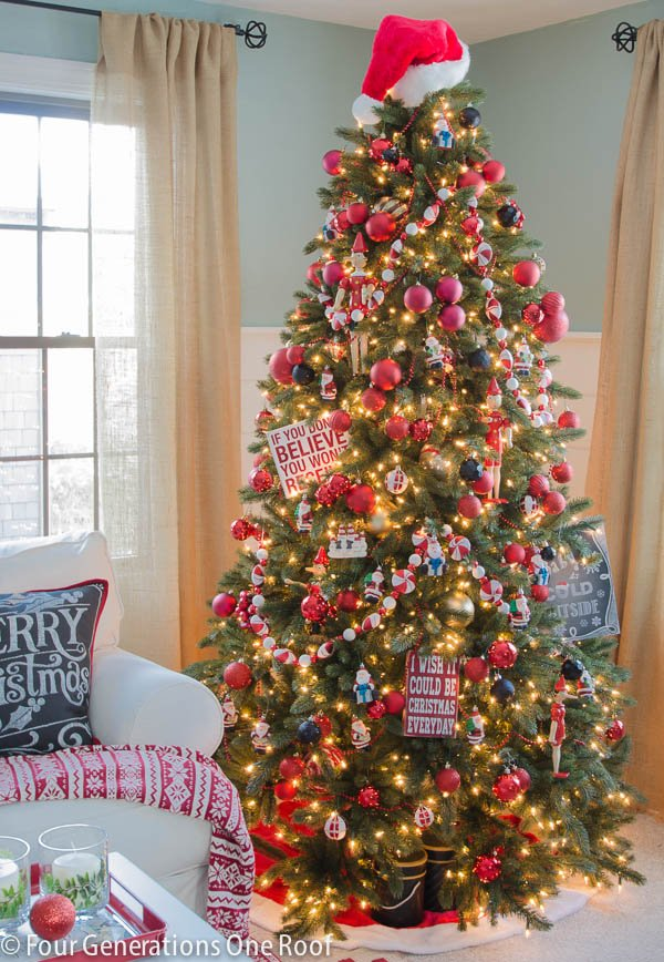 how to decorate a christmas tree black red four generations one roof. Black Bedroom Furniture Sets. Home Design Ideas