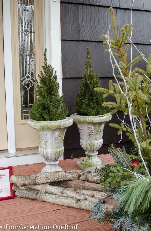 4 generations Christmas Home Tour front door