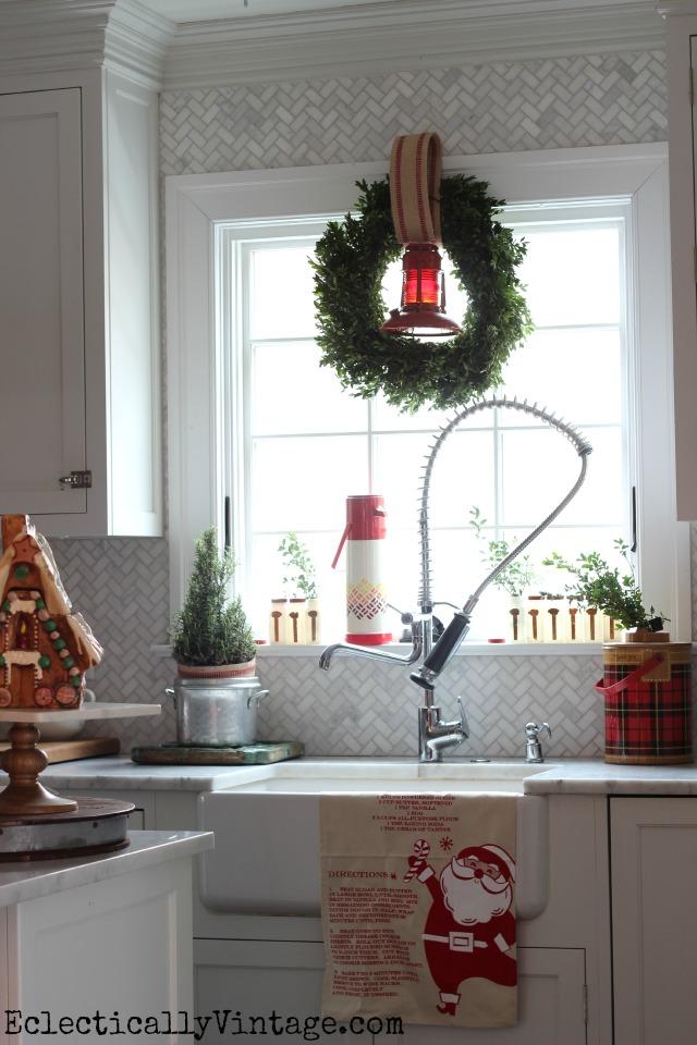 Christmas-Kitchen-Window-Vintage-Thermos