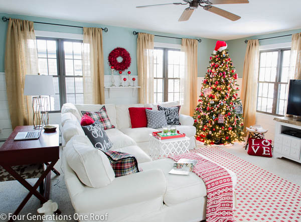 Christmas decorating ideas - red + black living room-2