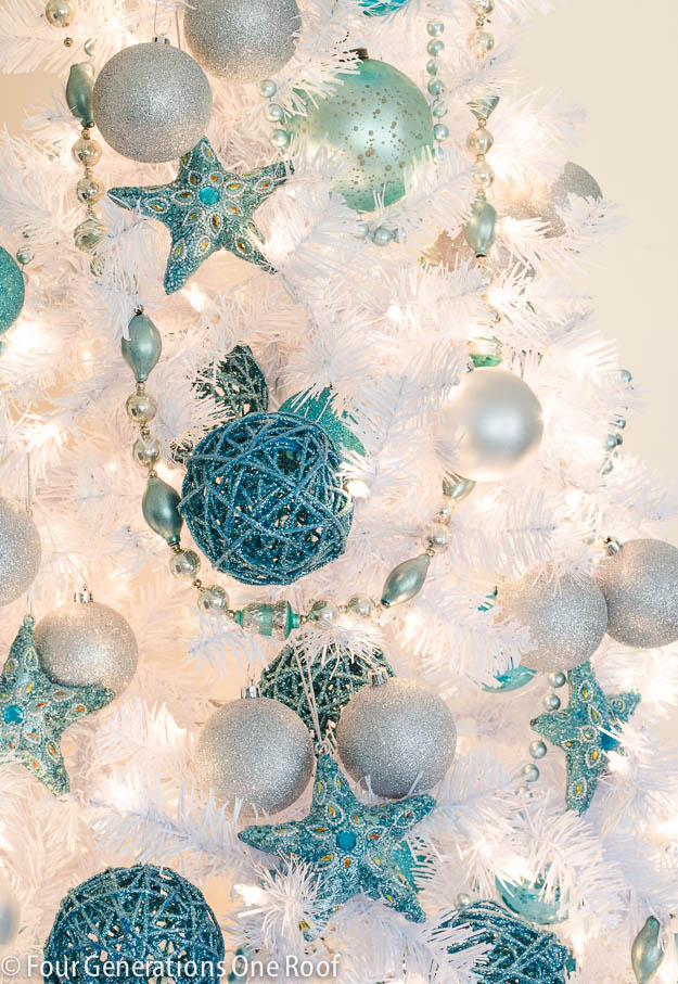 white christmas tree decorations blue photo25