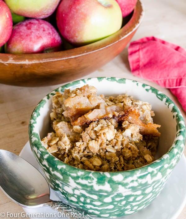 Best apple crisp recipe / Quick and easy dessert