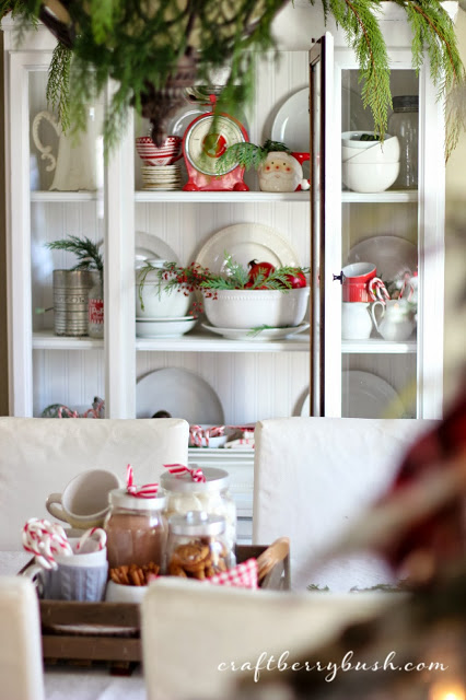 holiday-hutch-styling
