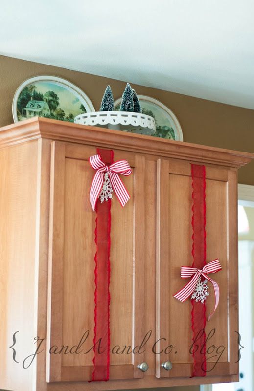 ribbon-trimmed-cabinets