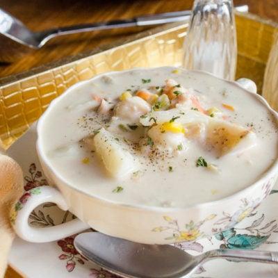 Easy Seafood Chowder {crock pot}