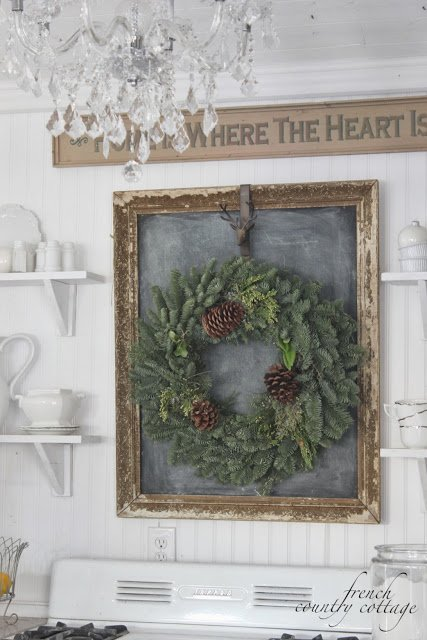wreath-on-chalkboard-over-range