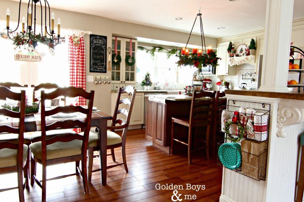 wreaths-in-kitchen