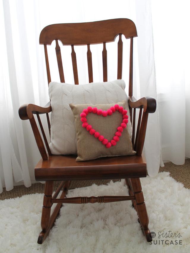 heart-pom-pom-pillow