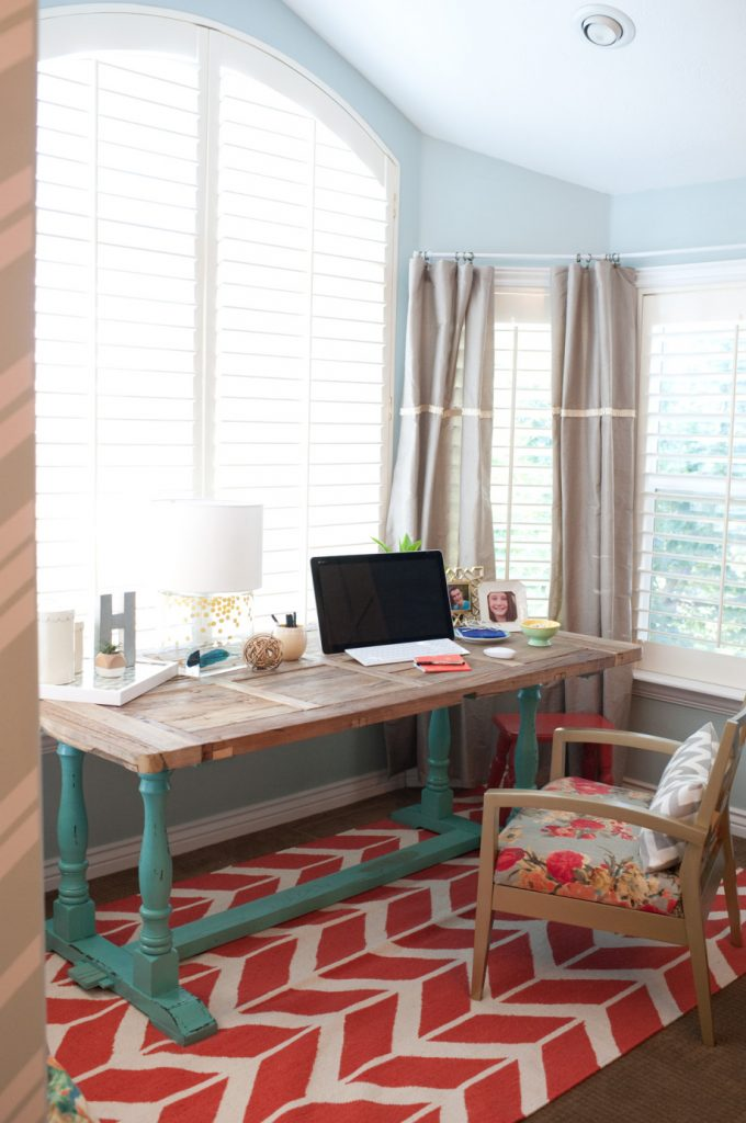 try this make a small space office four generations one