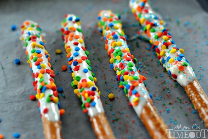 rainbow-wands-pretzel