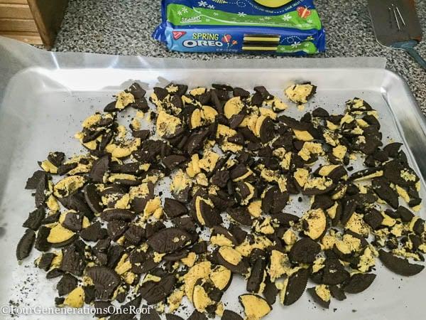 Amazing White Chocolate Oreo M&M Bark Recipe