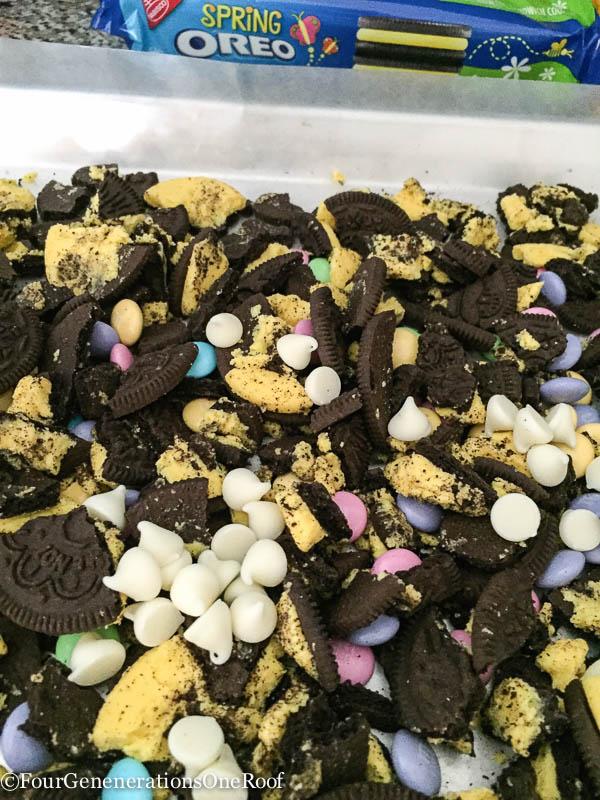 Amazing White Chocolate Oreo Bark Recipe-2