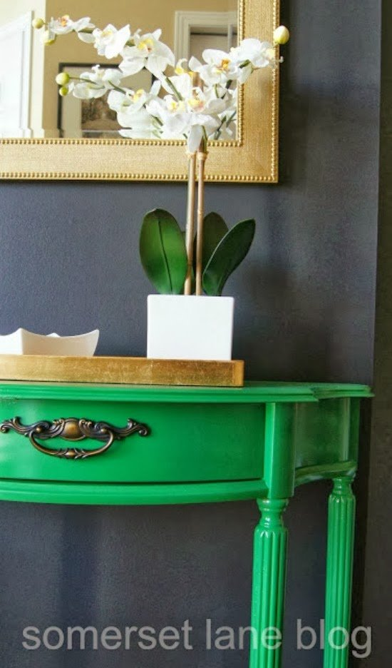 green-foyer-table