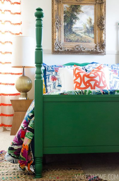 greenw-painted-four-poster