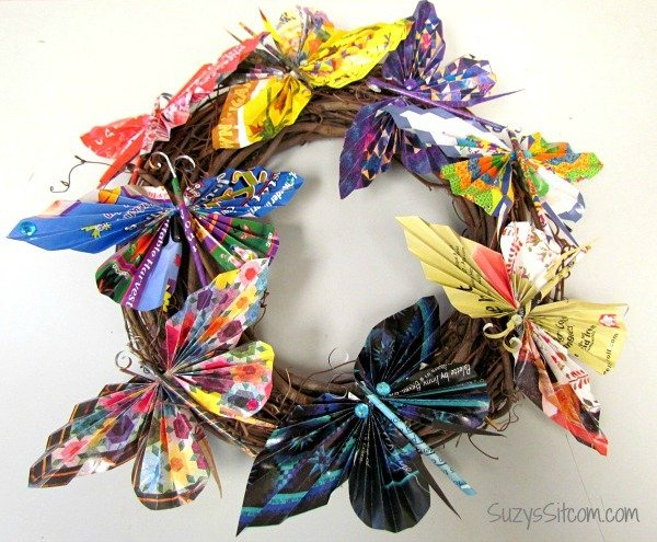 recycled-magazine-butterfly-wreath