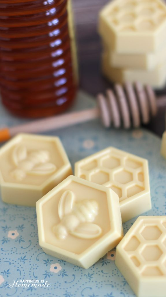 10-Minute-DIY-Milk-and-Honey-Soap