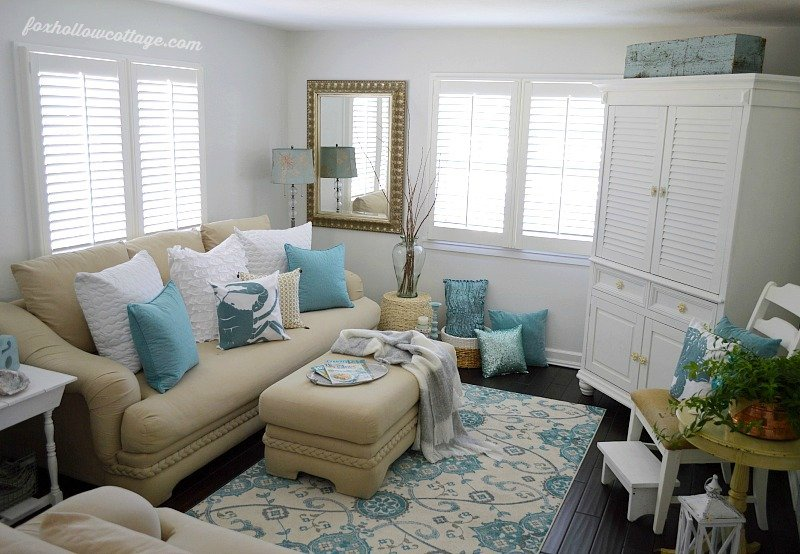 Coastal-Cottage-Home-Decor-Living-Room