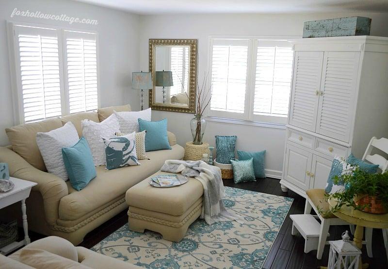 Coastal-Cottage-Home-Decor-Living-Room