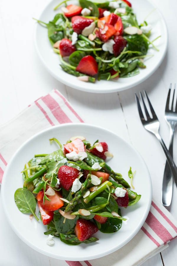 Strawberry-Spinach-and-Asparagus-Salad