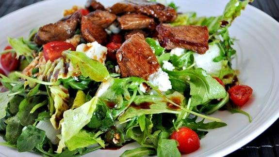strip-steak-salad