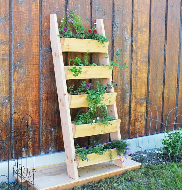 vertical-tiered-planter