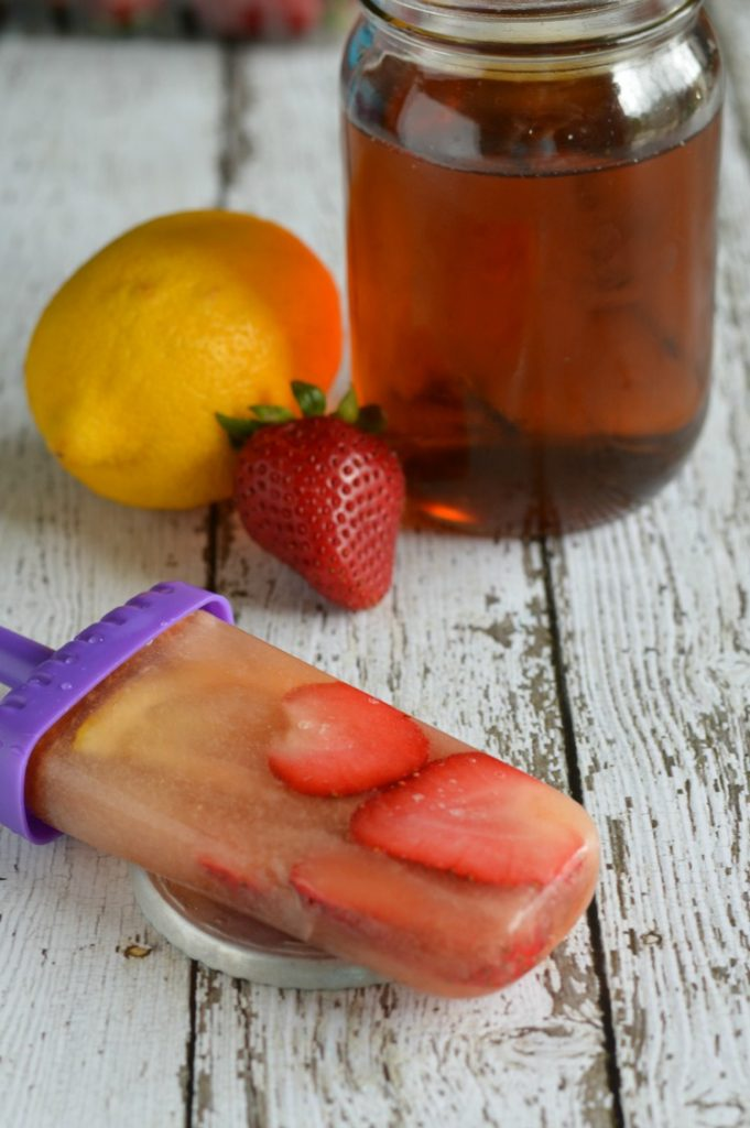 Strawberry-iced-tea-popsicles