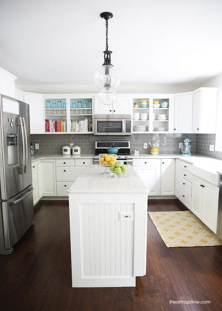 30-white-gray-color-pops-kitchen