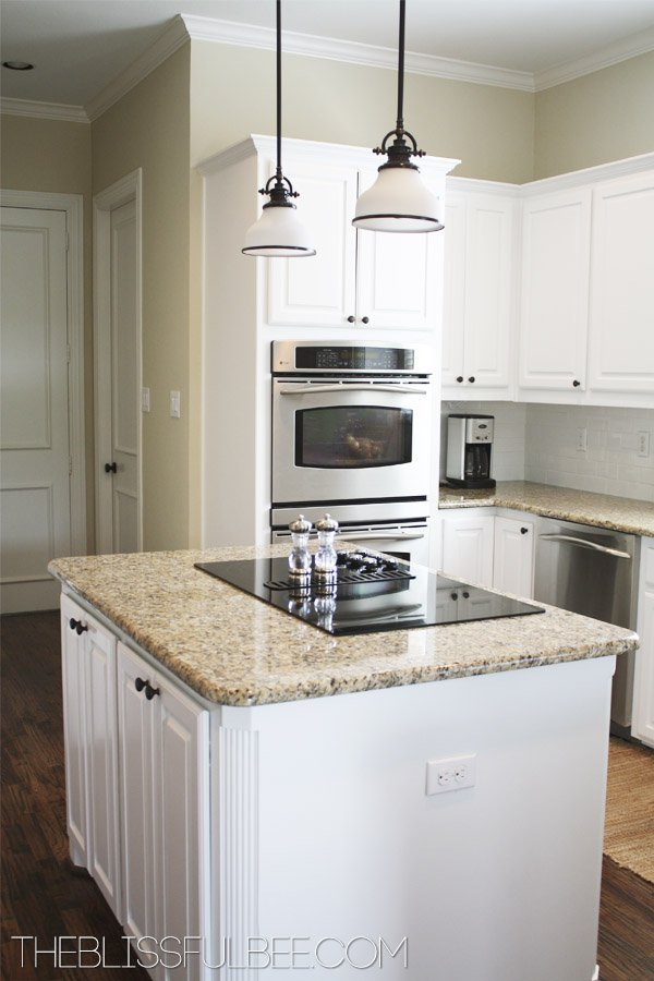 7-white-painted-oak-cabinets