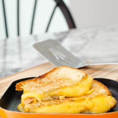 10 Minute Grilled Cheese with Apricot