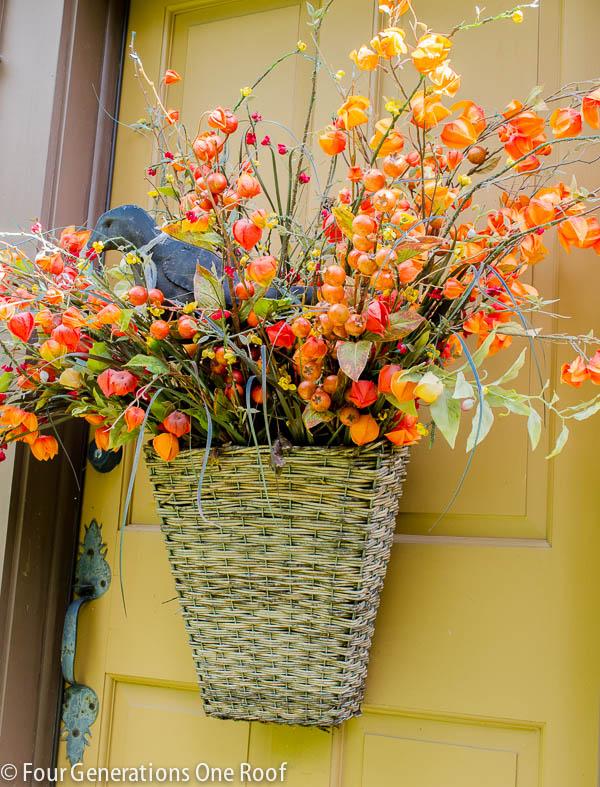 Fall-door-basket