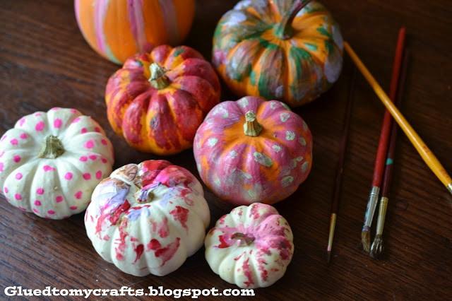 toddler-pumpkin-painting