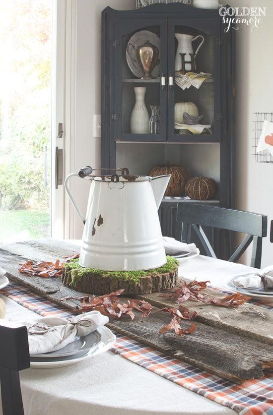 woodsy-acorn-enamelware-table