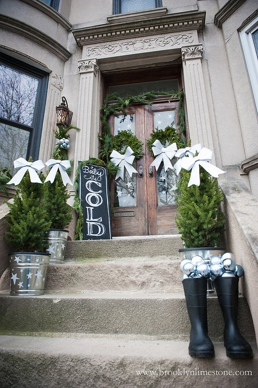 42 Christmas Ideas For Door Porch Decor Four