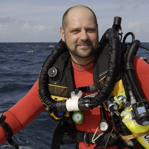 Meet my friend Richie + lets dive to the bottom of the ocean