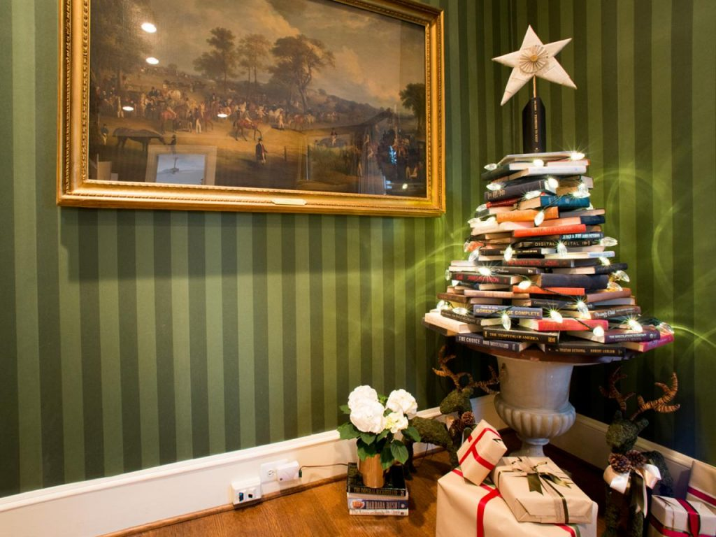 stacked-book-tree