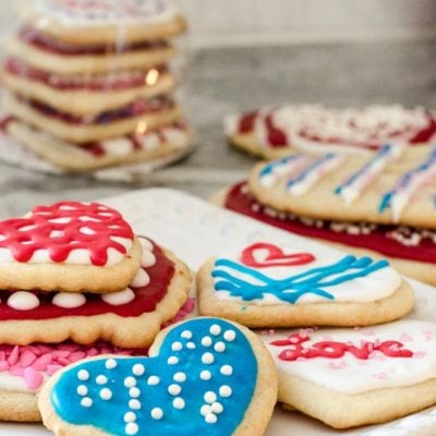 Decorating Valentine's Day Cookies {our kids Saturday night project}